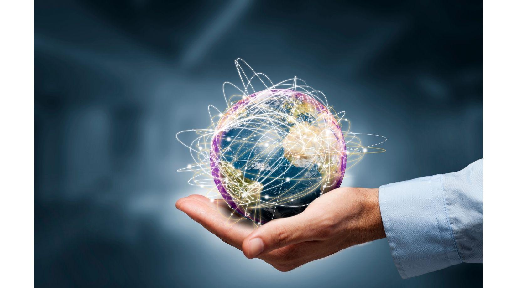 планета в руке